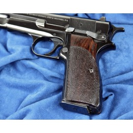 Browning Hi Power - Checkered Rosewood Special Grips