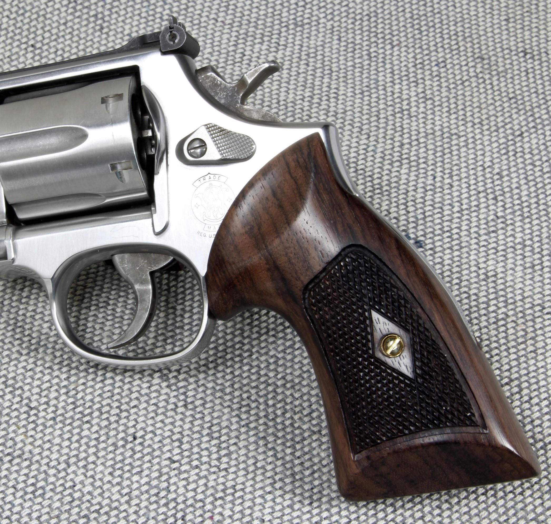 S&W K/L Frame Round Butt - Heritage Compact Checkered Revolver Grips