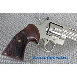 """Colt Python """"Third Type"""" Walnut Heritage Grips - CHECKERED"""
