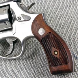 S&W K/L Frame Round Butt - Walnut HERITAGE Revolver Grips - CHECKERED