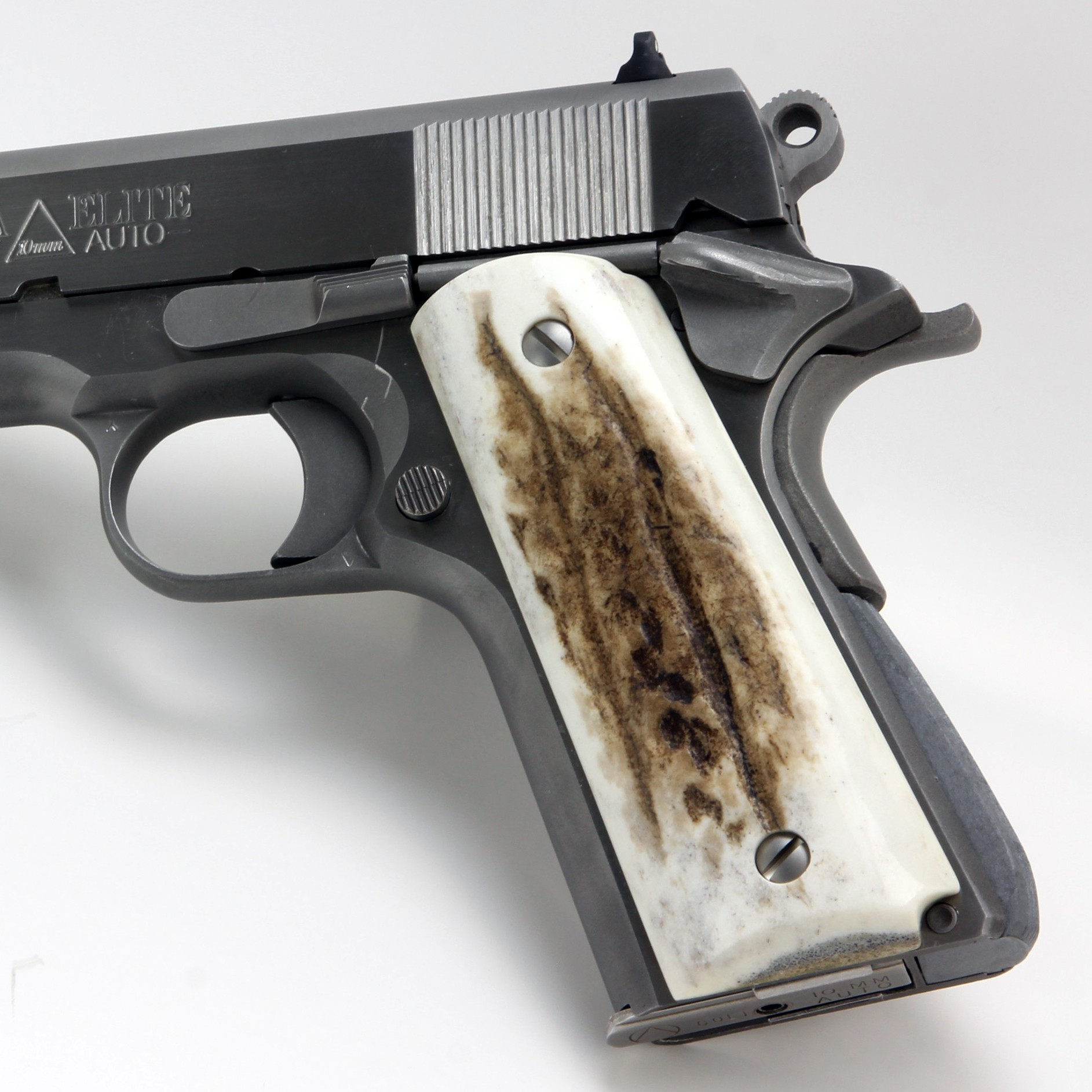Colt 1911 grips