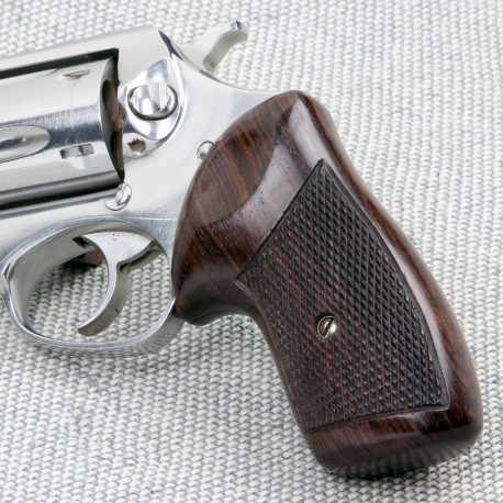 Ruger SP101 Classic Rosewood Checkered Grips
