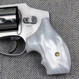 S&W J Frame Round Butt - Imitation White Pearl Secret Service Grips