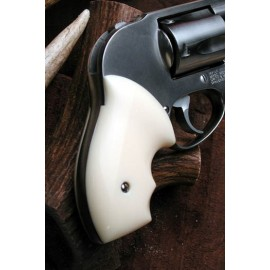 S&W J frame round butt - IVORY POLYMER Secret Service Grips - SMOOTH