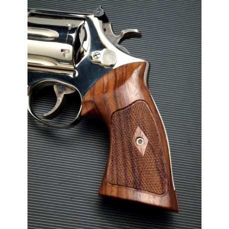 Lovely Su0026W Heritage K/L Frame Sq. Butt Rosewood Grips Checkered