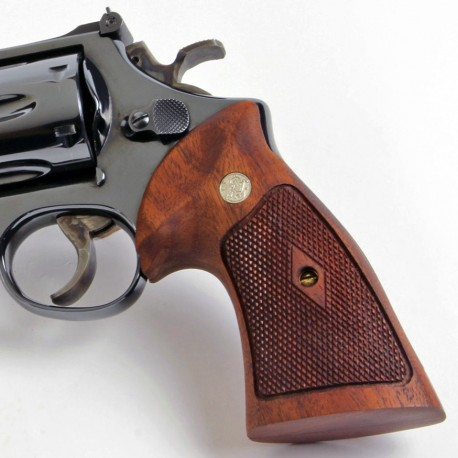 S&W N Frame Round Butt WALNUT CHECKERED Heritage Grips with Medallions