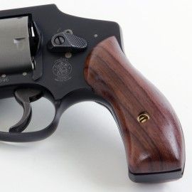 S&W J Frame Round Butt Rosewood Panel Grips