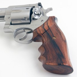 Ruger Redhawk Square Butt Indian Rosewood Finger Position Checkered Grips