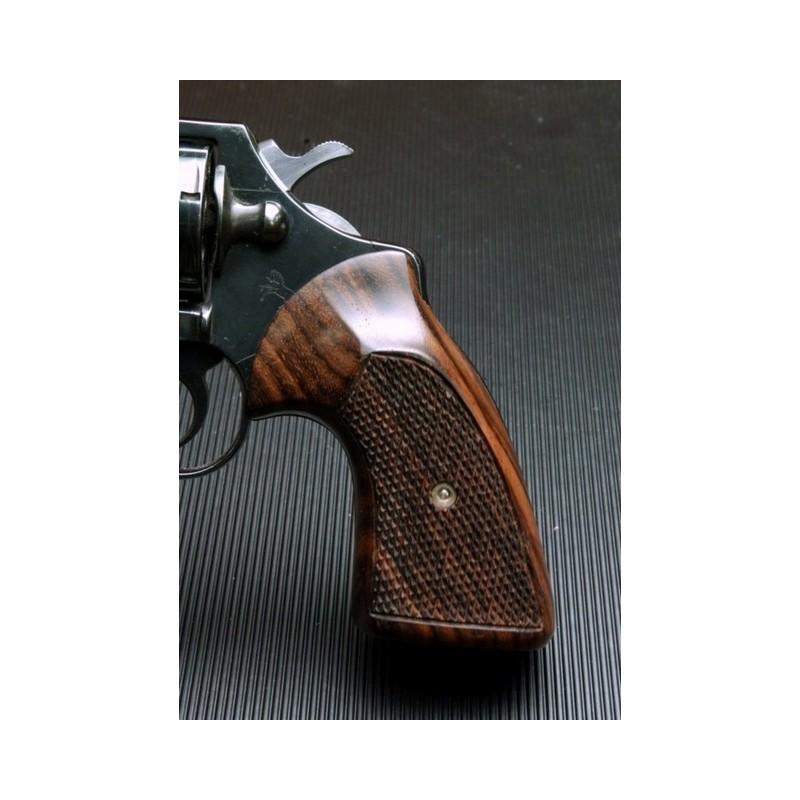 Colt Diamondback, Detective Spl. & post 66\' Cobra Classic Rosewood Grips